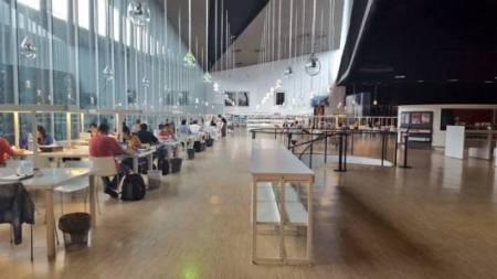Inside the Bibliotecatea